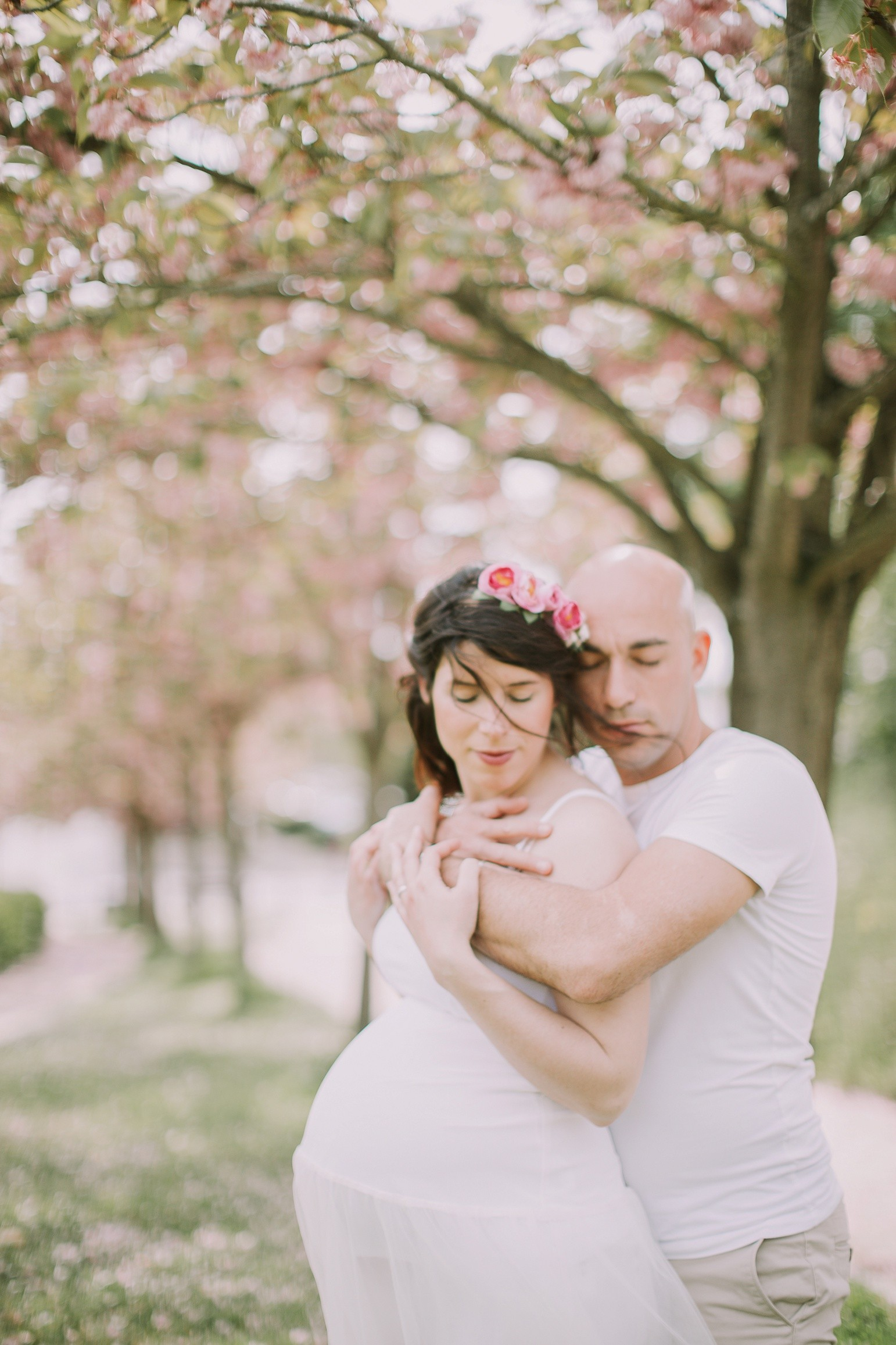 kateryna-photos-grossesse-photographe-sarthe-normandie-nantes-couple-engagement-love-story-le-mans-wedding-cerisiers-exterieur-outdoors_0217.jpg