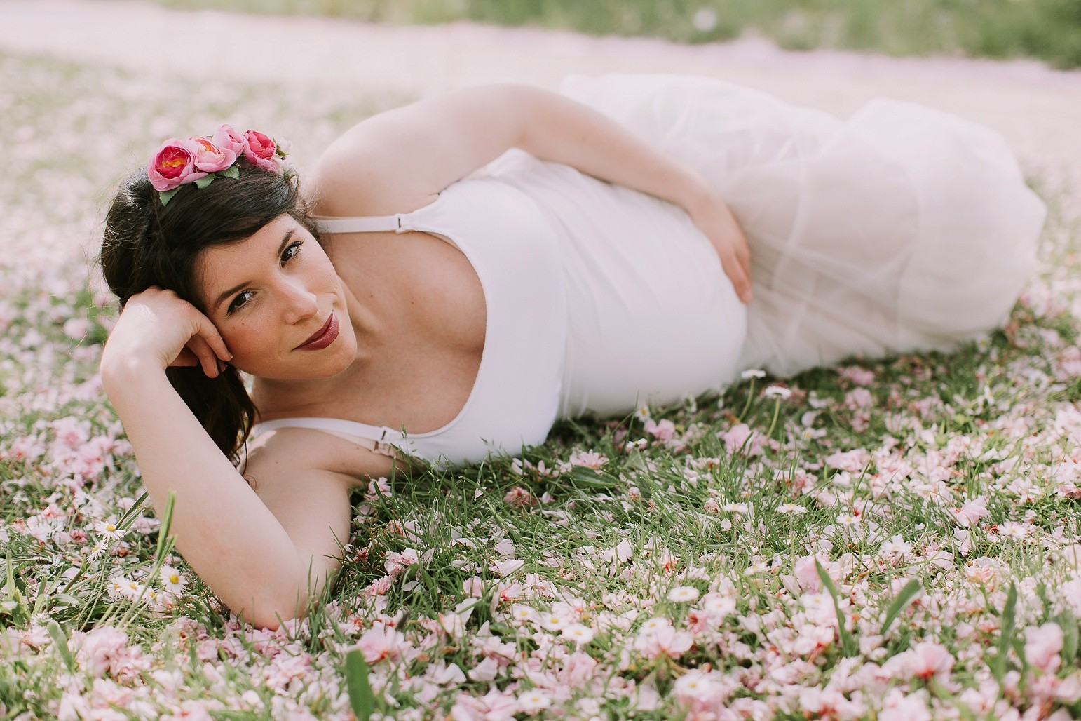 kateryna-photos-grossesse-photographe-sarthe-normandie-nantes-couple-engagement-love-story-le-mans-wedding-cerisiers-exterieur-outdoors_0236.jpg