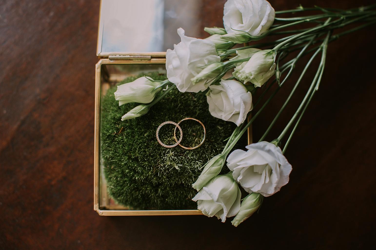 kateryna-photos-mariage-wedding-france-bretagne-pays-de-la-loire-chateau-de-la-colaissiere-st-sauveur-de-landemont_0012.jpg