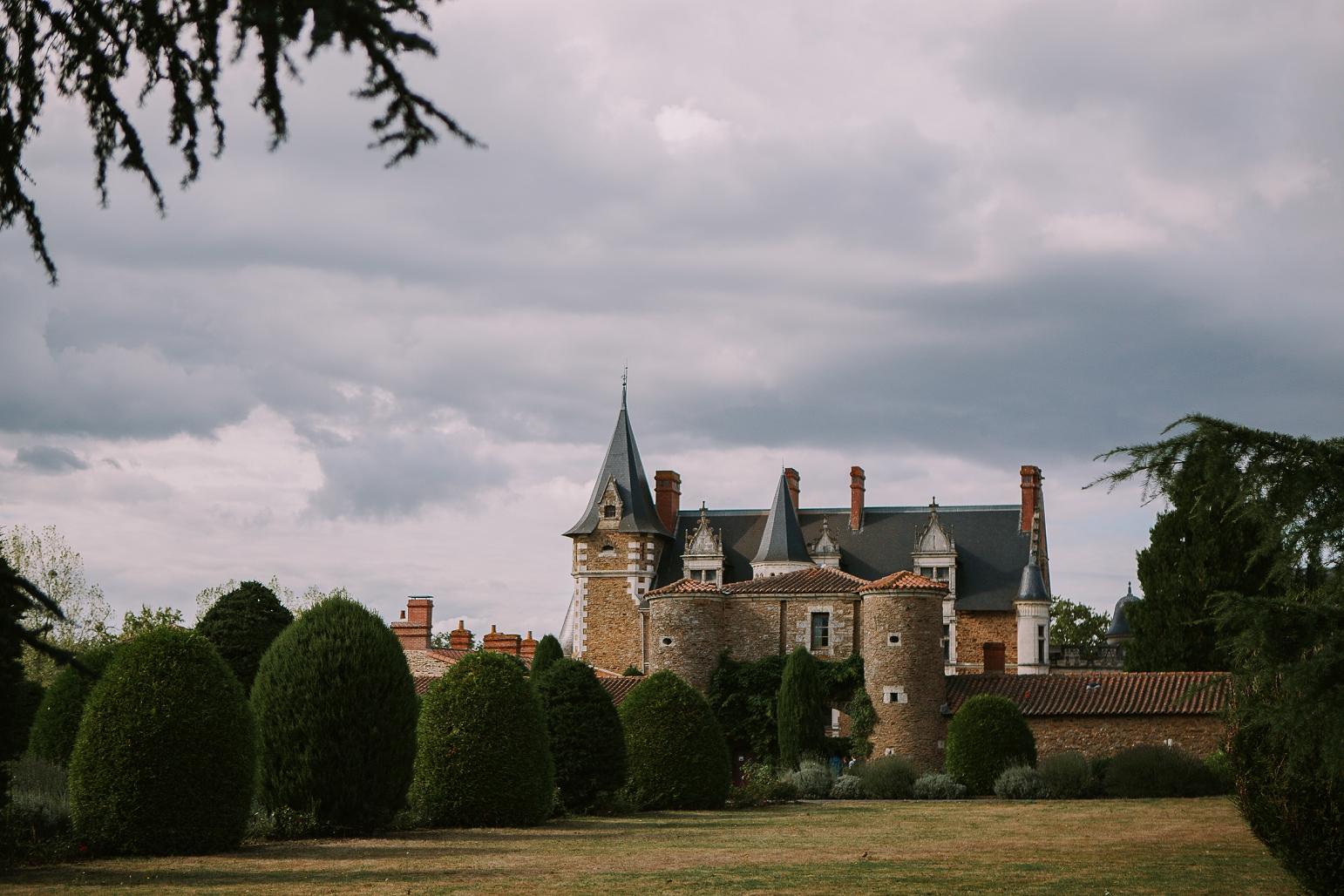 kateryna-photos-mariage-wedding-france-bretagne-pays-de-la-loire-chateau-de-la-colaissiere-st-sauveur-de-landemont_0052.jpg