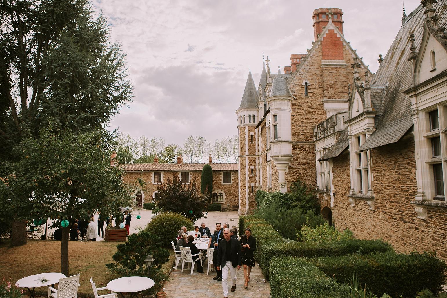 kateryna-photos-mariage-wedding-france-bretagne-pays-de-la-loire-chateau-de-la-colaissiere-st-sauveur-de-landemont_0078.jpg
