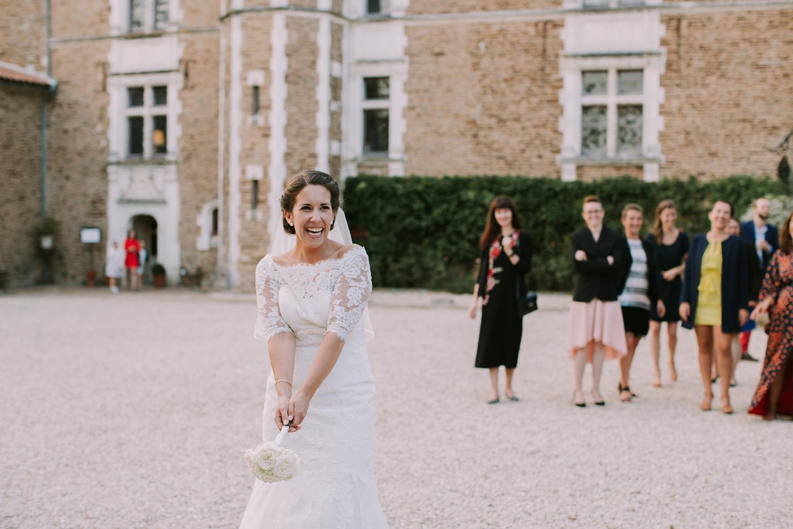 kateryna-photos-mariage-wedding-france-bretagne-pays-de-la-loire-chateau-de-la-colaissiere-st-sauveur-de-landemont_0081.jpg