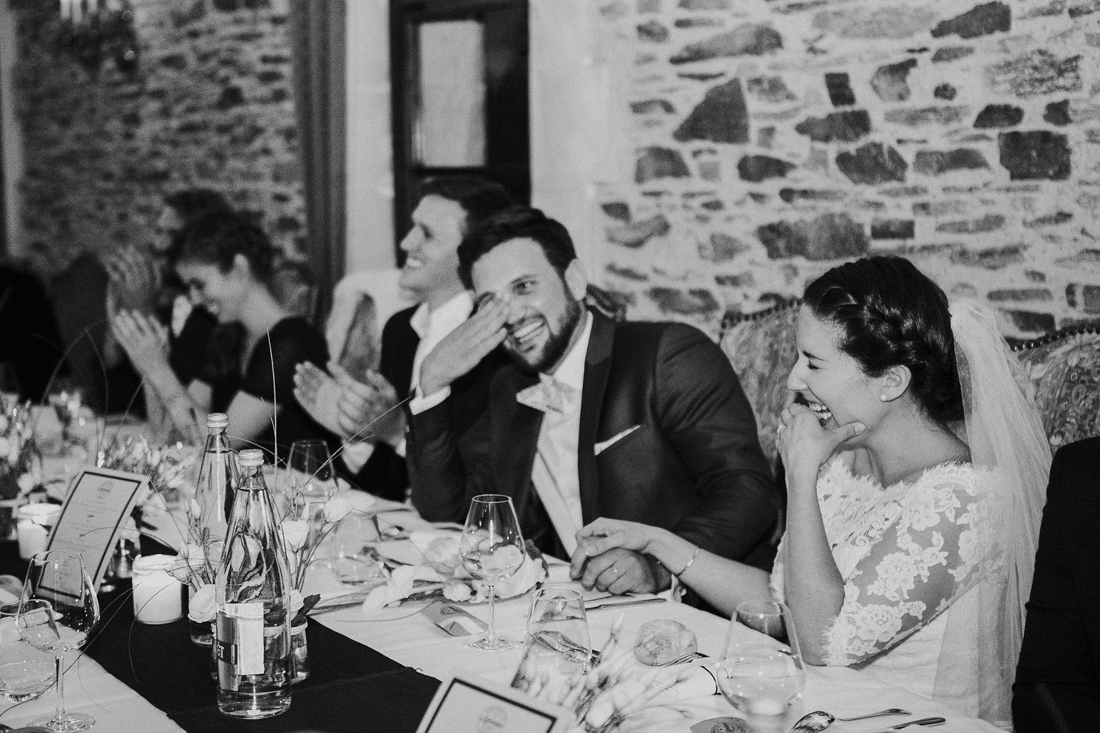 kateryna-photos-mariage-wedding-france-bretagne-pays-de-la-loire-chateau-de-la-colaissiere-st-sauveur-de-landemont_0086.jpg