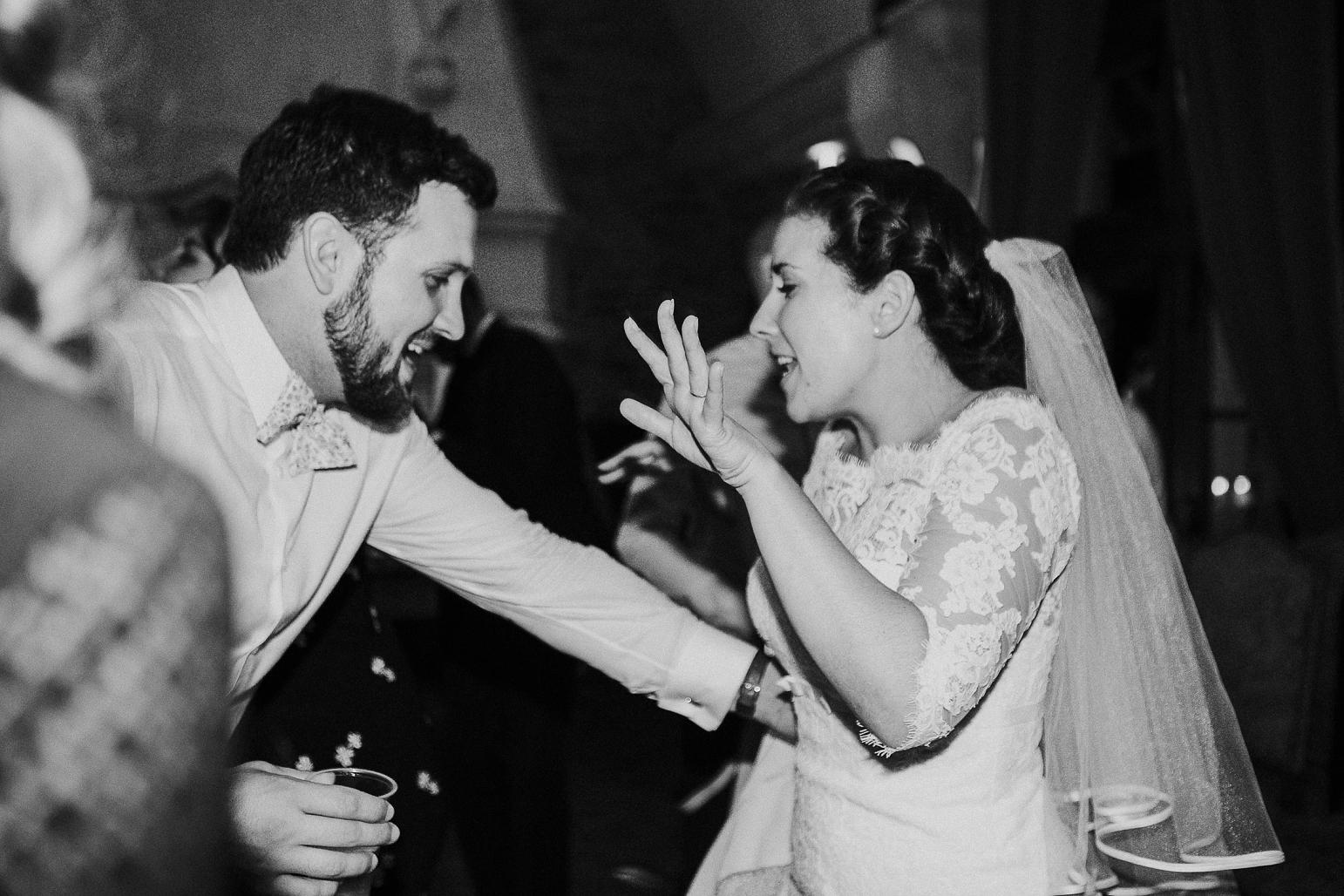 kateryna-photos-mariage-wedding-france-bretagne-pays-de-la-loire-chateau-de-la-colaissiere-st-sauveur-de-landemont_0089.jpg