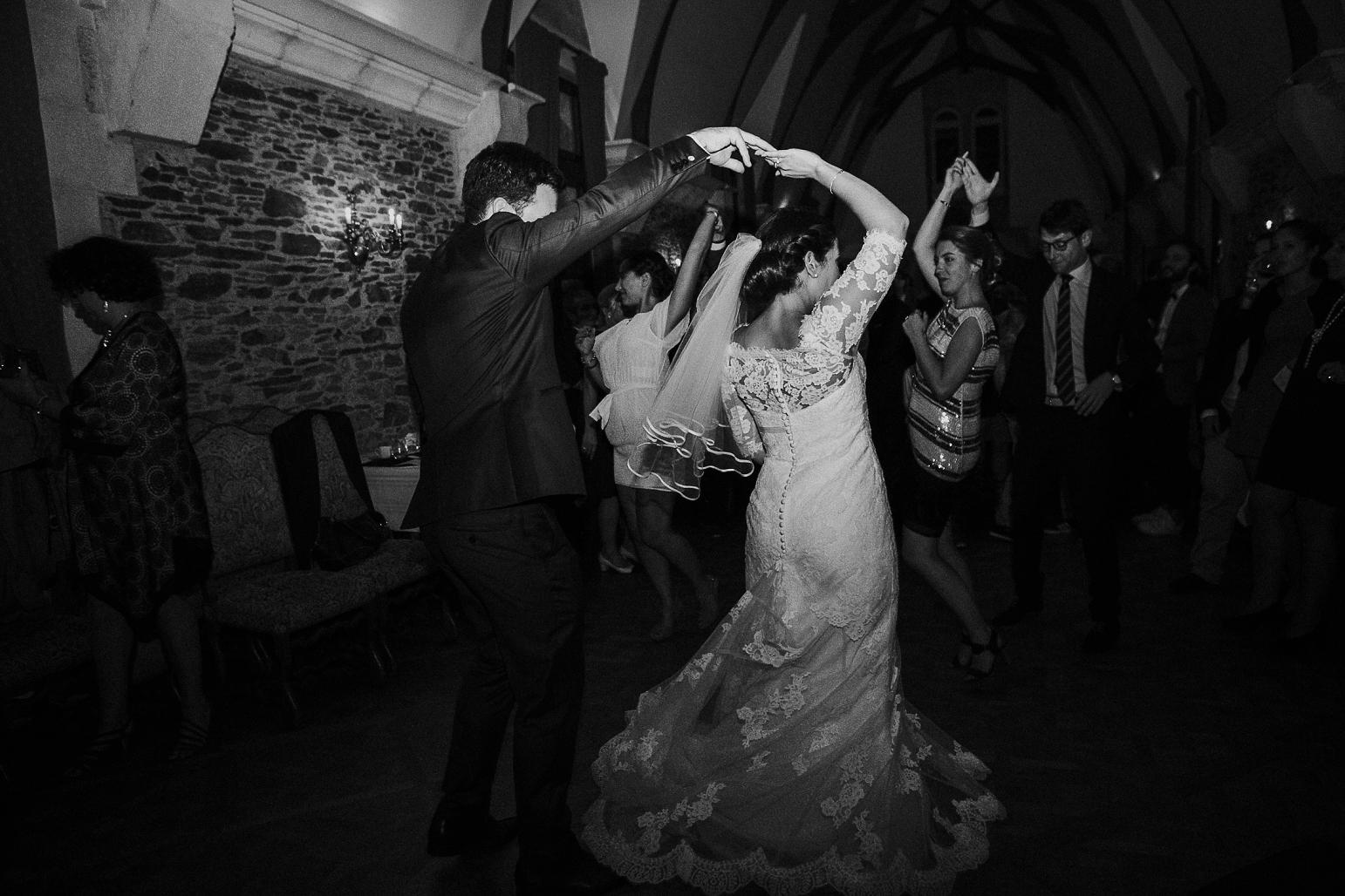 kateryna-photos-mariage-wedding-france-bretagne-pays-de-la-loire-chateau-de-la-colaissiere-st-sauveur-de-landemont_0095.jpg
