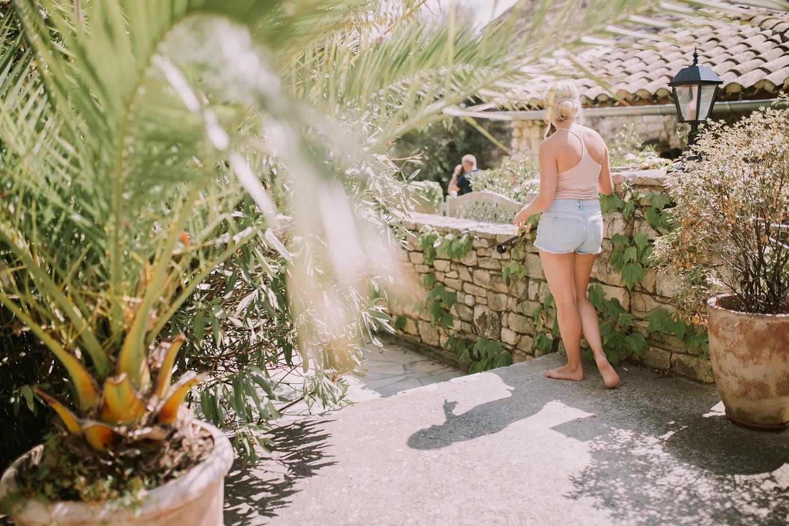 kateryna-photos-mariage-wedding-france-ardeche-domaine-clos-hullias-Saint-Christol-de-Rodière-gard-cevennes_0103.jpg