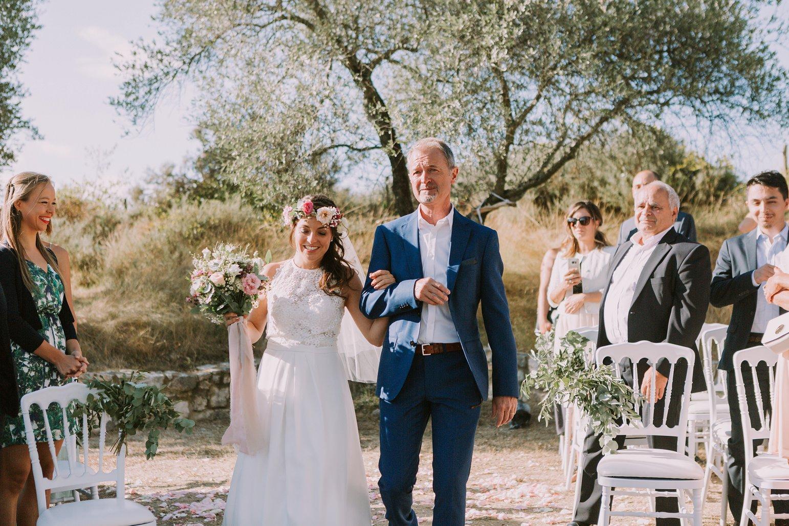 kateryna-photos-mariage-wedding-france-ardeche-domaine-clos-hullias-Saint-Christol-de-Rodière-gard-cevennes_0196.jpg