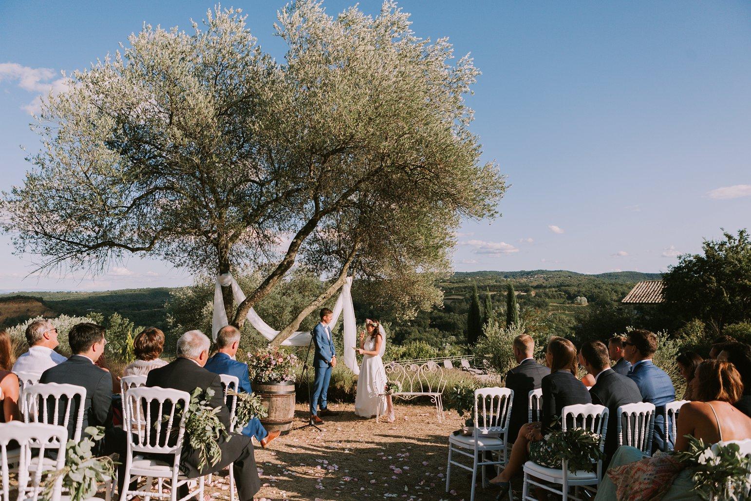 kateryna-photos-mariage-wedding-france-ardeche-domaine-clos-hullias-Saint-Christol-de-Rodière-gard-cevennes_0199.jpg