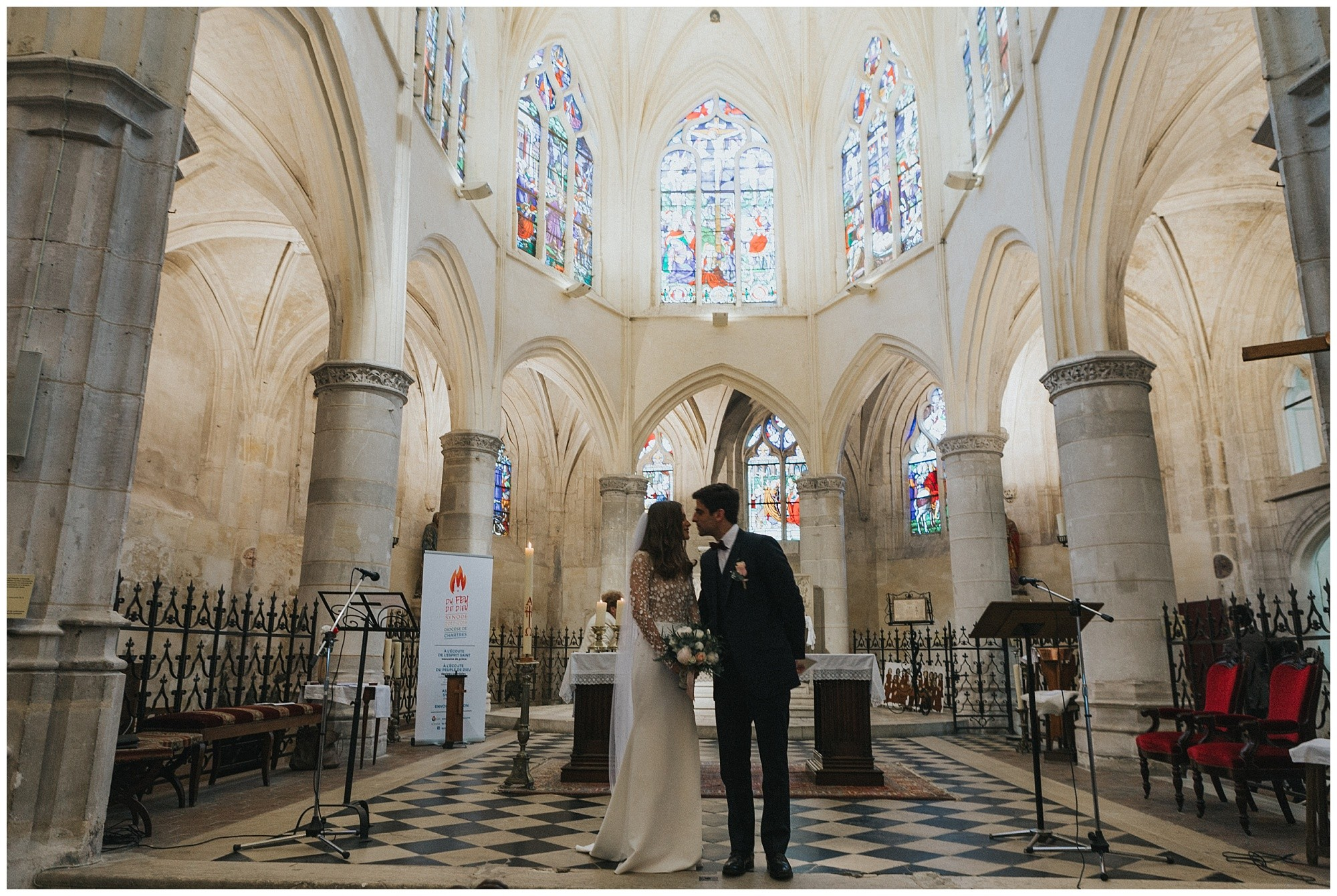 Kateryna-photos-photographer-reims-domaine-des-evis-mariage-normandie-celebration-eglise-echange-alliances