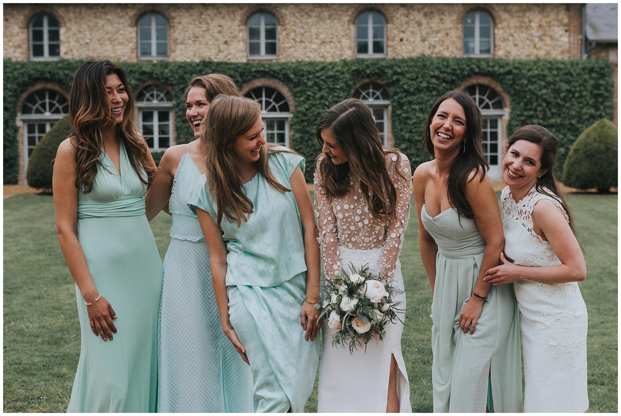 Kateryna-photos-photographer-reims-domaine-des-evis-mariage-normandie-rime-arodaky-photos-de-groupe