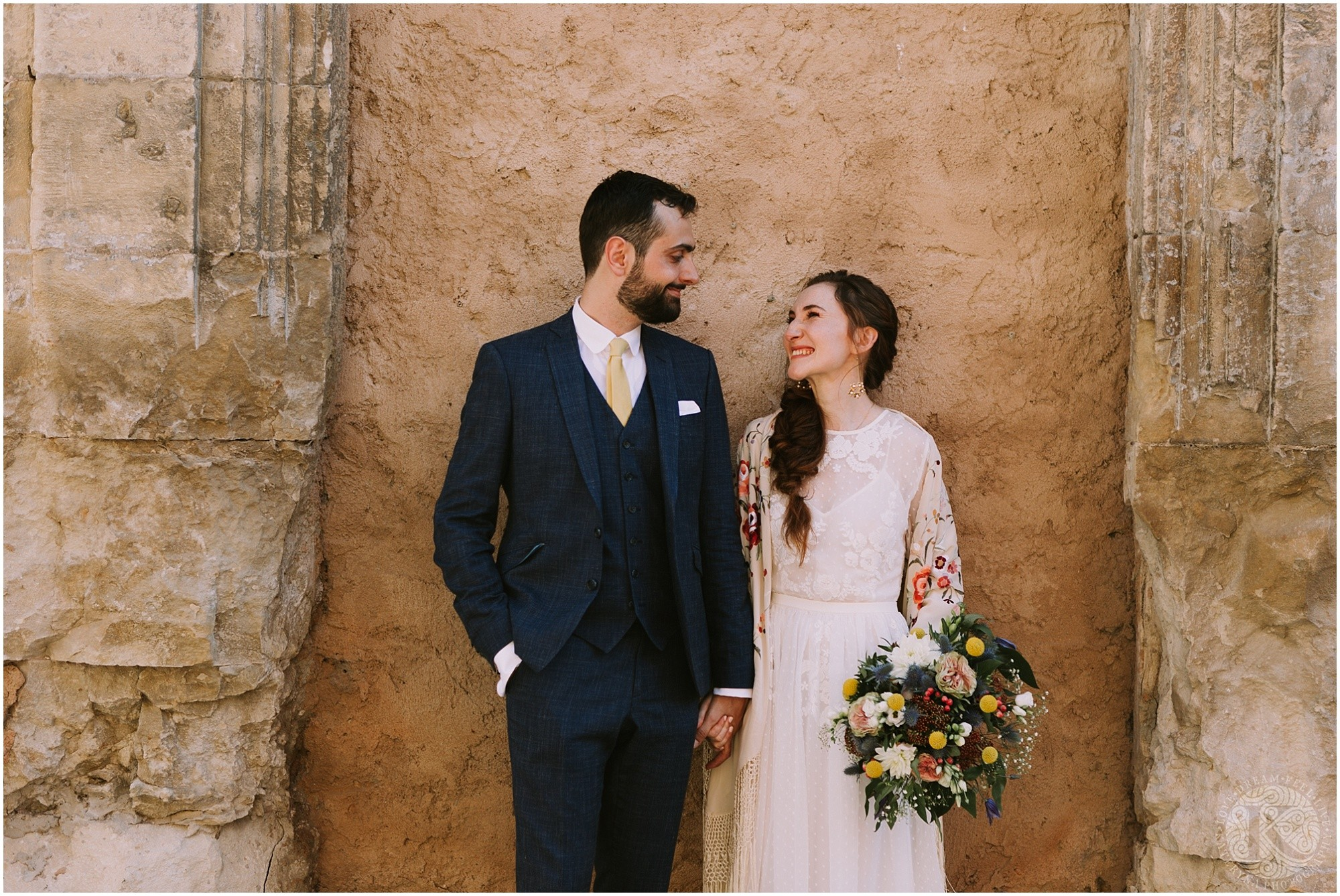 Kateryna-photos-photographe-mariage-vaucluse-provence-avignon-ferme-st-hugues_0044.jpg