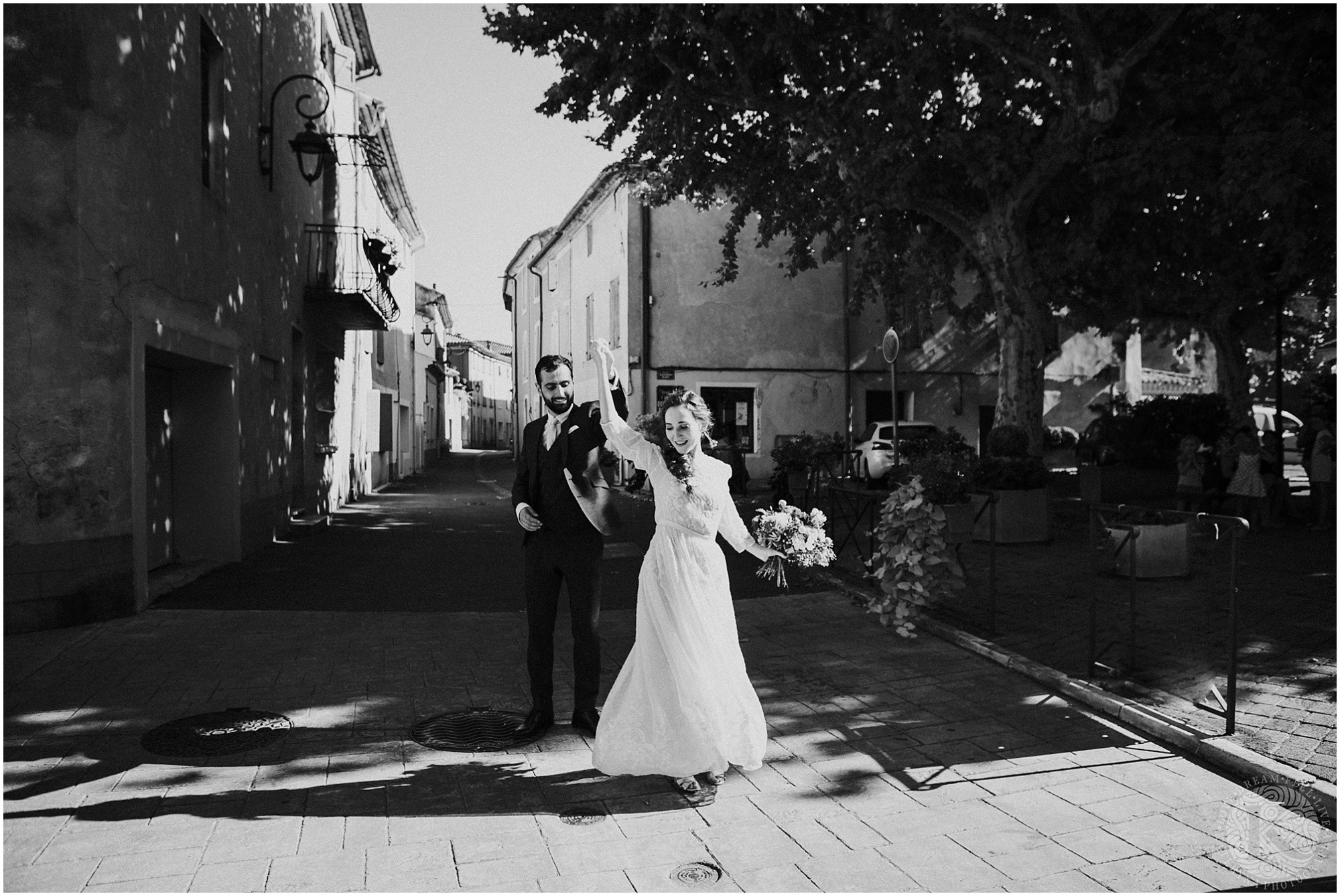 Kateryna-photos-photographe-mariage-vaucluse-provence-avignon-ferme-st-hugues_0053.jpg