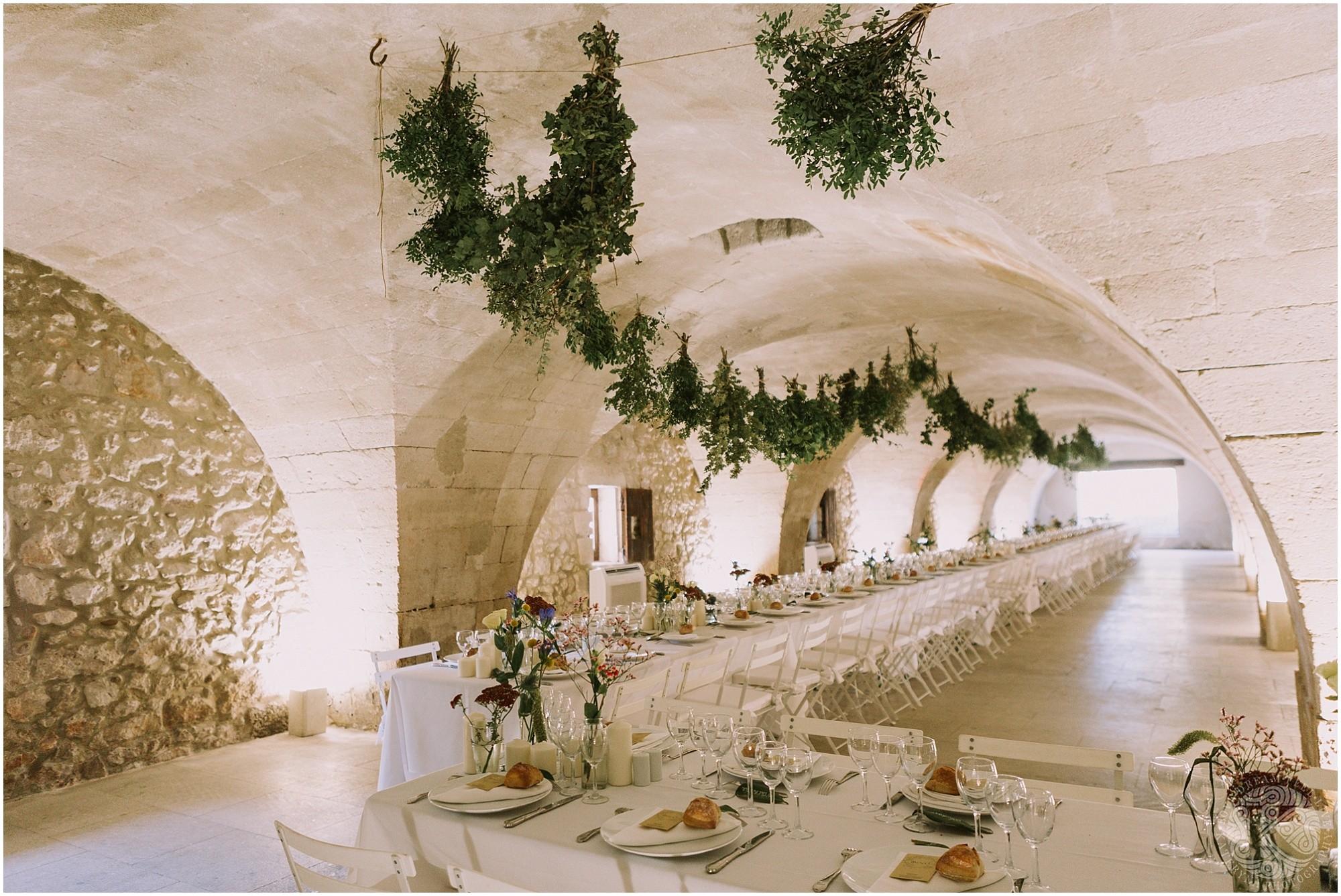 Kateryna-photos-photographe-mariage-vaucluse-provence-avignon-ferme-st-hugues_0059.jpg
