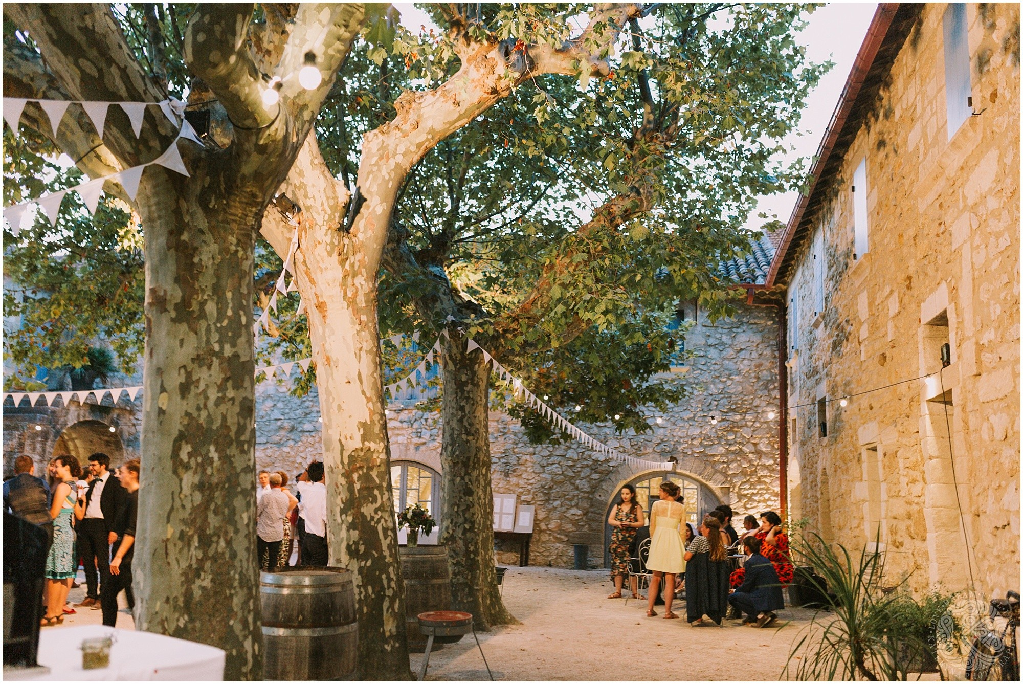 Kateryna-photos-photographe-mariage-vaucluse-provence-avignon-ferme-st-hugues_0092.jpg