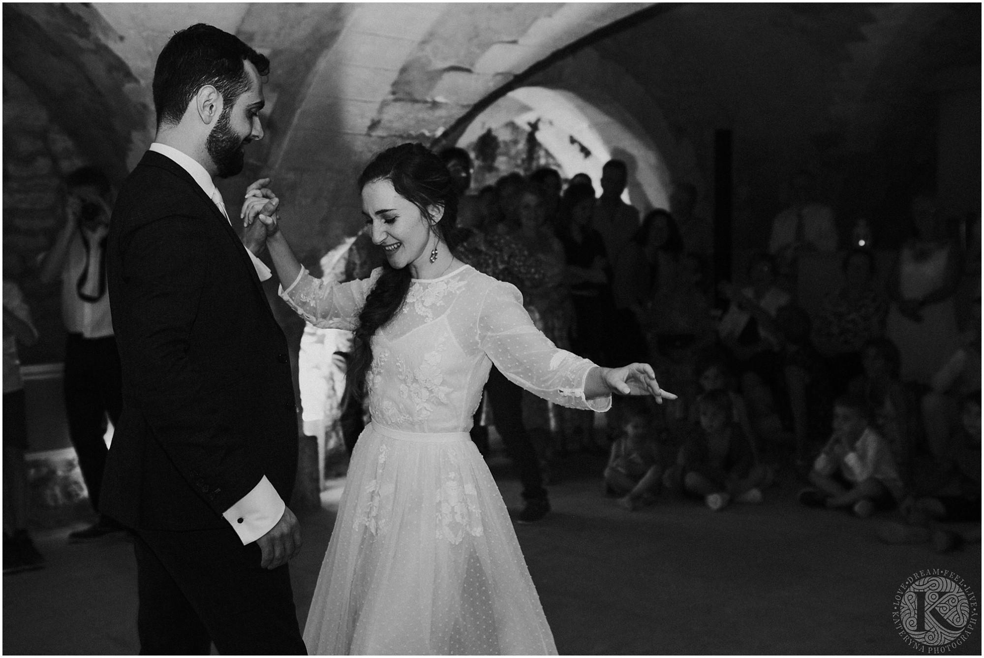 Kateryna-photos-photographe-mariage-vaucluse-provence-avignon-ferme-st-hugues_0098.jpg