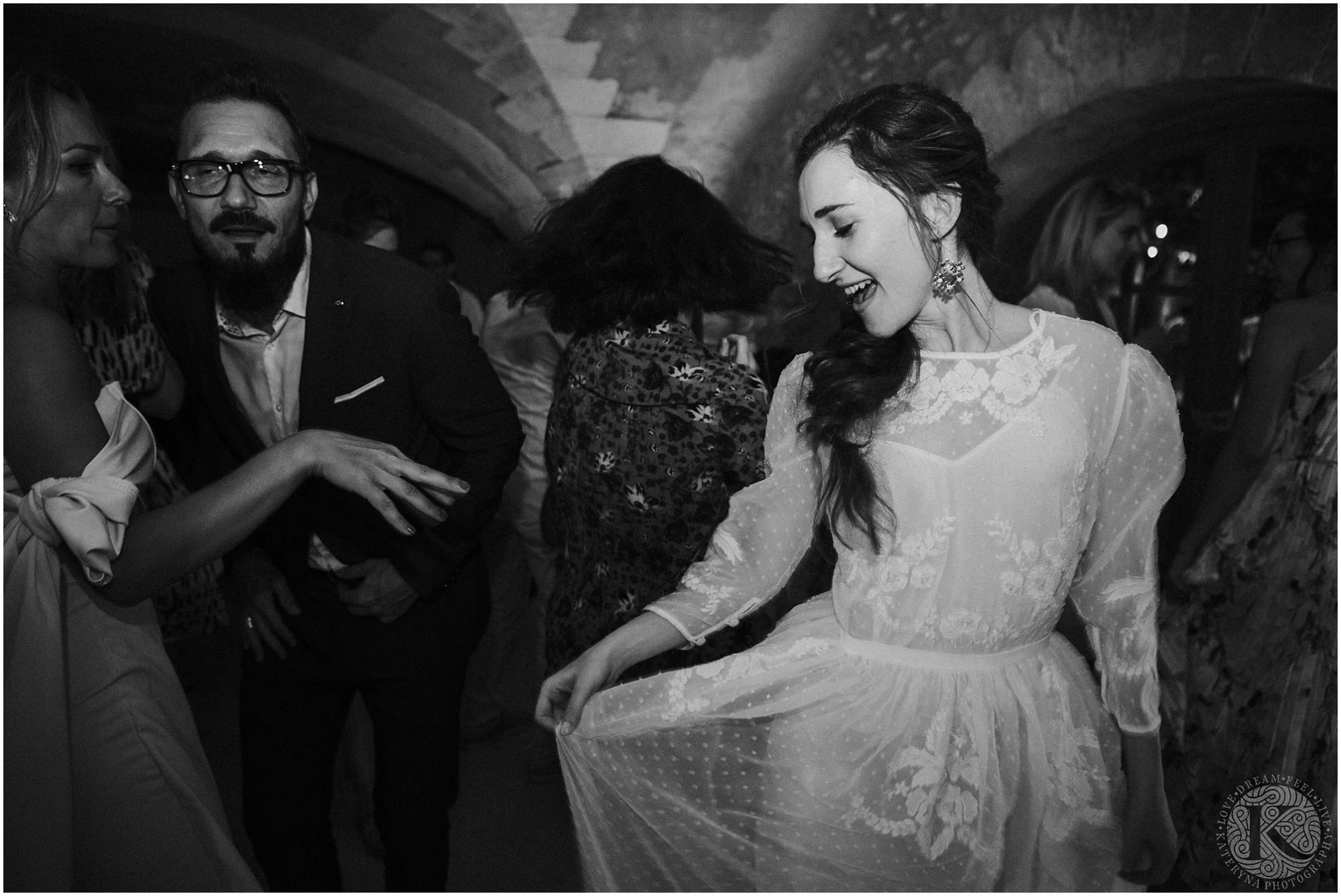 Kateryna-photos-photographe-mariage-vaucluse-provence-avignon-ferme-st-hugues_0099.jpg